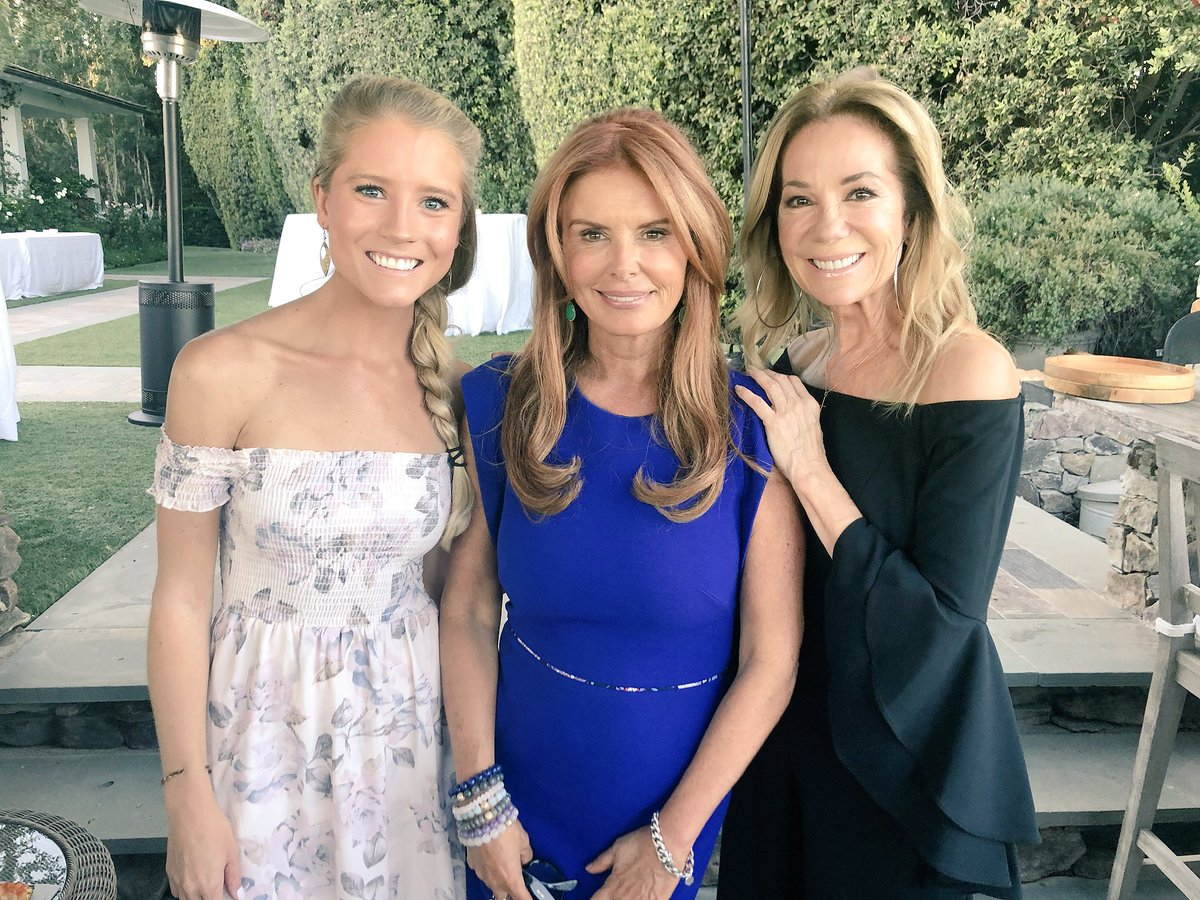 Roma Downey On Twitter So Great To See These Lovely Ladies Last
