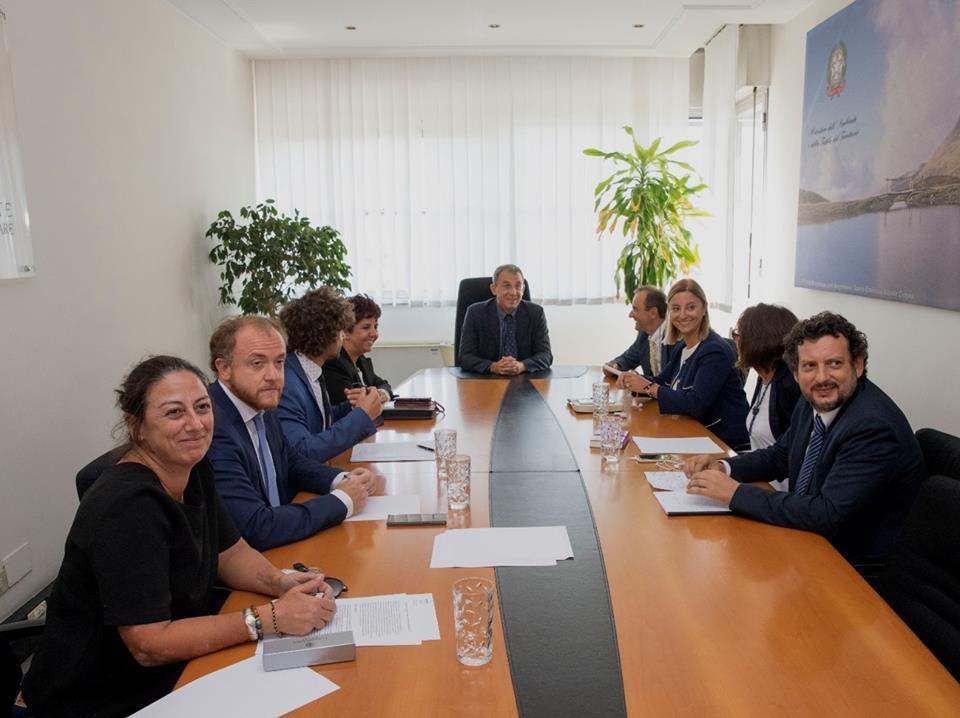 Ieri #14settembre insieme a @gaiapernarella @DevidPorrello Marco Cacciatore @DeVito65 @robertalombardi e @Minerva_86 del @M5SLazio abbiamo incontrato il ministro dell\