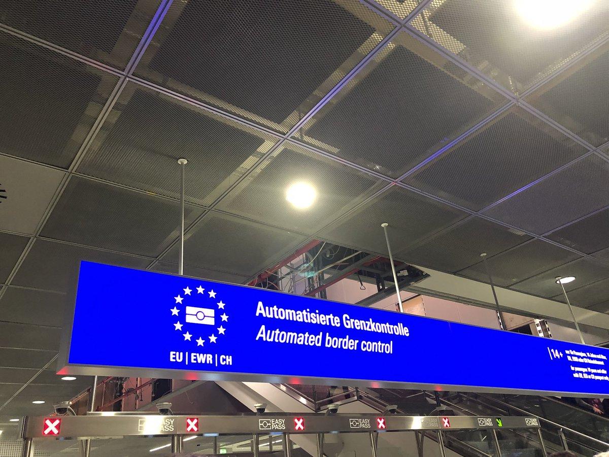 test Twitter Media - Technologie in Deutschland. So entwickelt, dass es nicht zuverlässig läuft. Automatische Grenzkontrolle nicht verfügbar und Chaos bei der Einreise. Gute Idee, mittelmäßig umgesetzt #techstandort #anothermautproject #daskönnenwirbesser #digitalesdeutschland https://t.co/O2GjWxPxWA