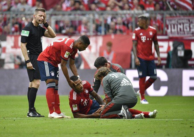 🎙 #Kovac: Puede que esté afectado el ligamento cruzado de la rodilla de @CorentinTolisso. #FCBB04 Foto