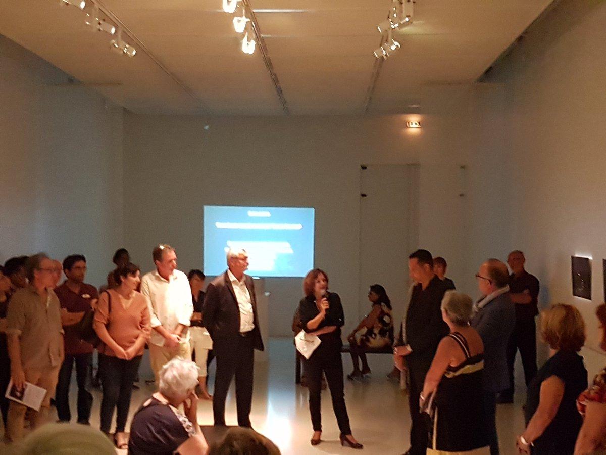 Ouverture de la saison culturelle de Lormont avec le vernissage de l'exposition photographique de Jean-François Manicom #live https://t.co/uRtMVM0Gzo