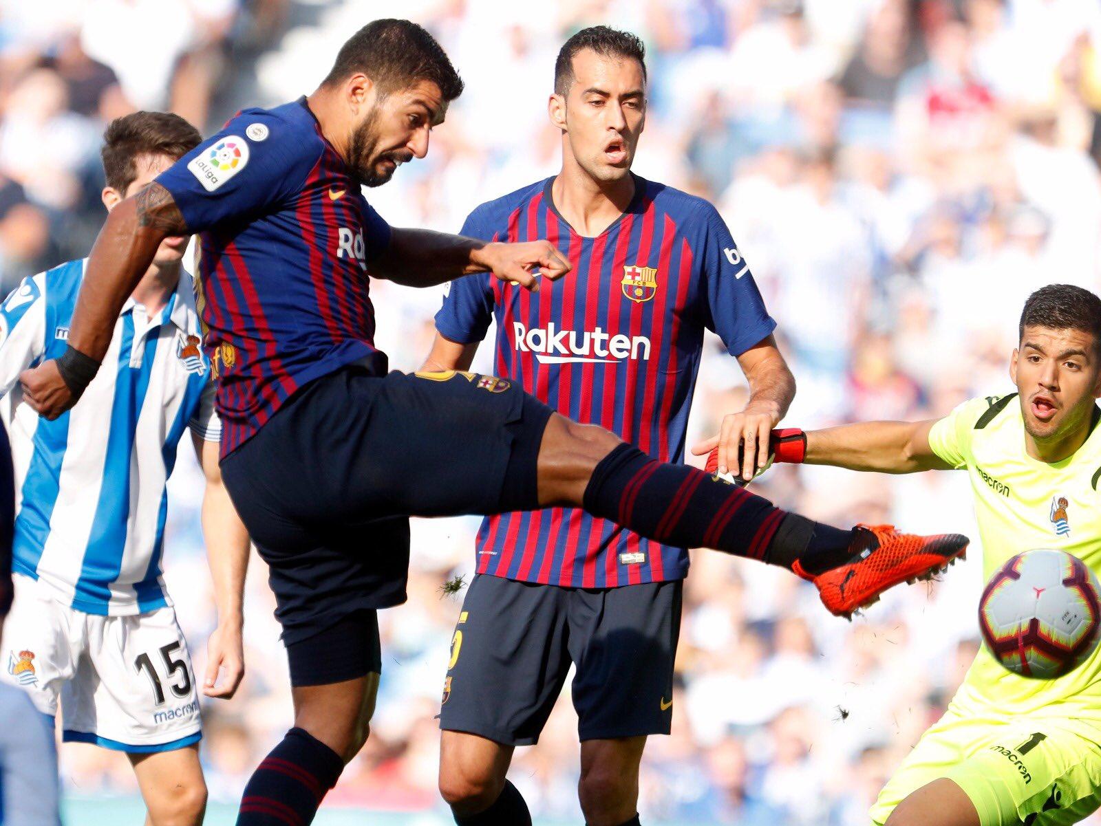 صور مباراة : ريال سوسيداد - برشلونة 1-2 ( 15-09-2018 ) DnJtWZpVAAAqEyD