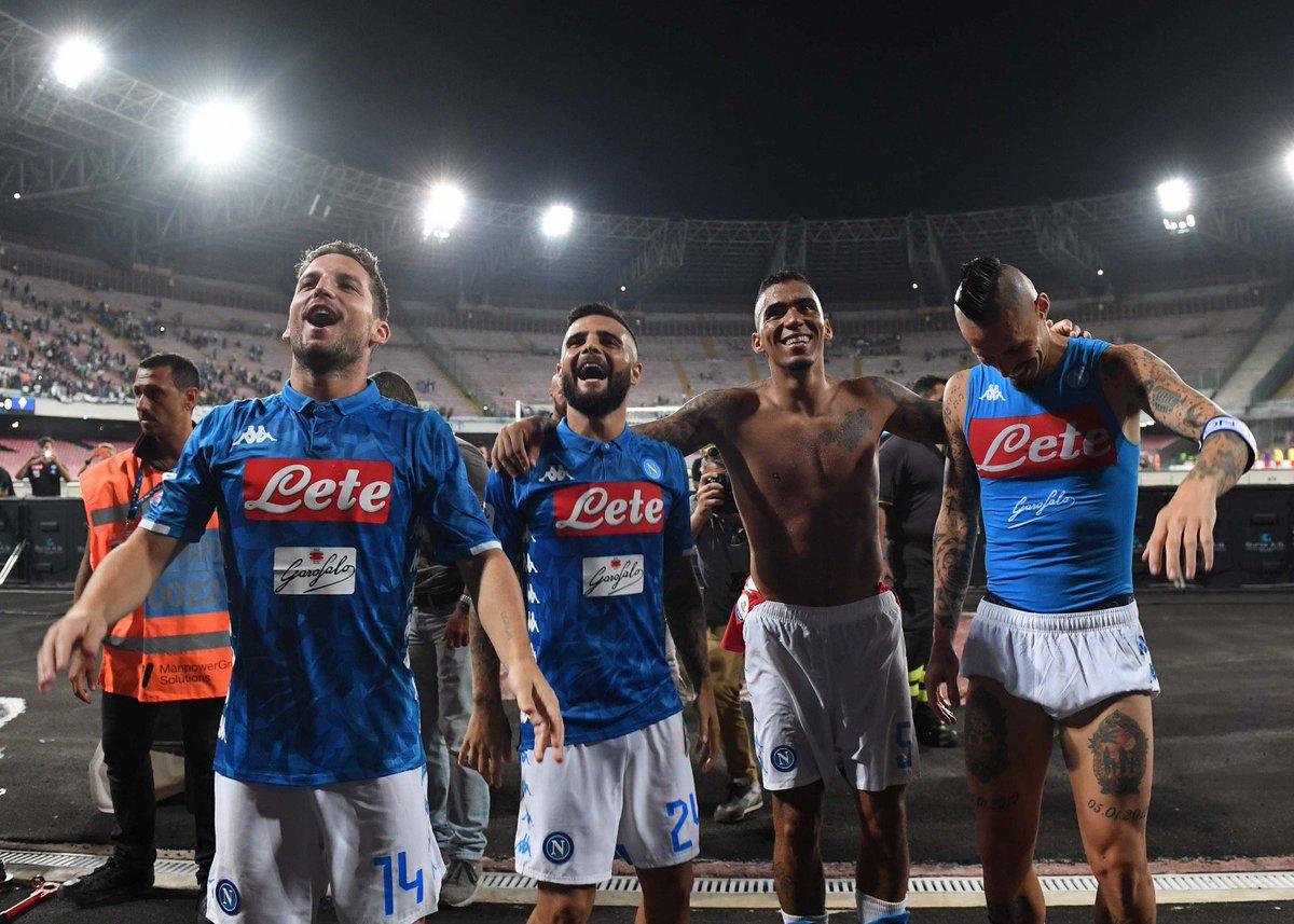 Scatti del Match  #NapoliFiorentina 1-0 @SerieA  #ForzaNapoliSempre  - Ukustom