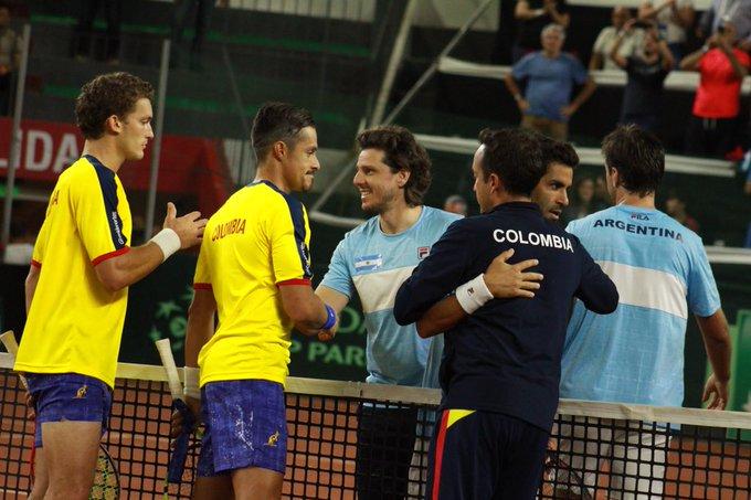 Nos despedimos, pero con la sensación de haberlo dado todo 😊💪🇨🇴 @AlejoGomezCO y @rodriguezcris90 son superados en el dobles por Máximo González y Horacio Zeballos 🇦🇷 en un luchadísimo quinto set: 6-4, 7-6(3), 6-7(4), 4-6, 6-4 Argentina gana 3-0 a Colombia #CopaDavis Foto