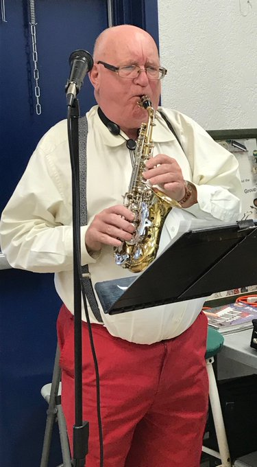 Long standing resident Empire Park Community Stan Dodd providing mellow saxophone melodies today for @EFCL Day #yegCLDay18 Photo