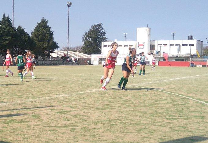 Final en Reserva, victoria de Uni 5a2 vs UNRC Goles Flor Ametller, Cami Huber, Juli Ottino x2 y Marti Schott #HockeyCba Foto
