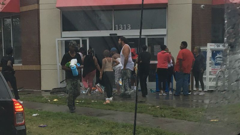 WATCH: Looters raid a Wilmington Family Dollar amid #Florence. https://t.co/gjNTlrKqic