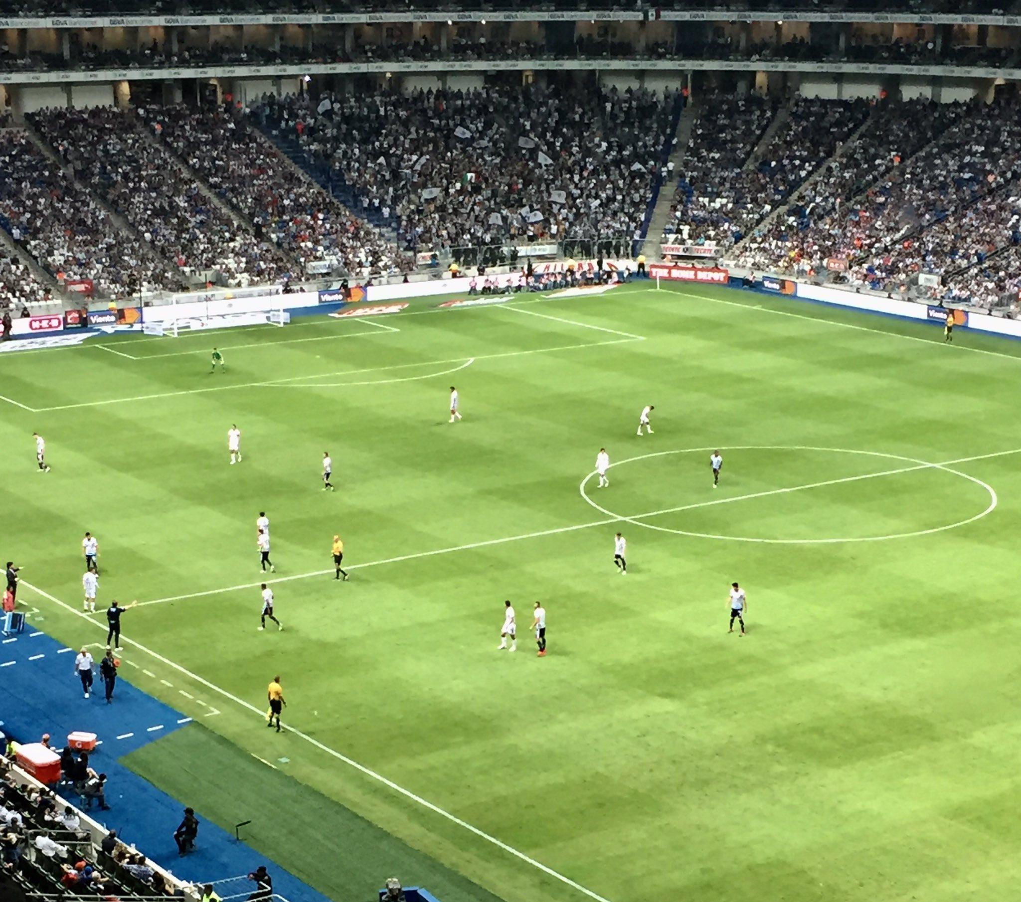 Guadalajara vence 4-2 a los Rayados del Monterrey