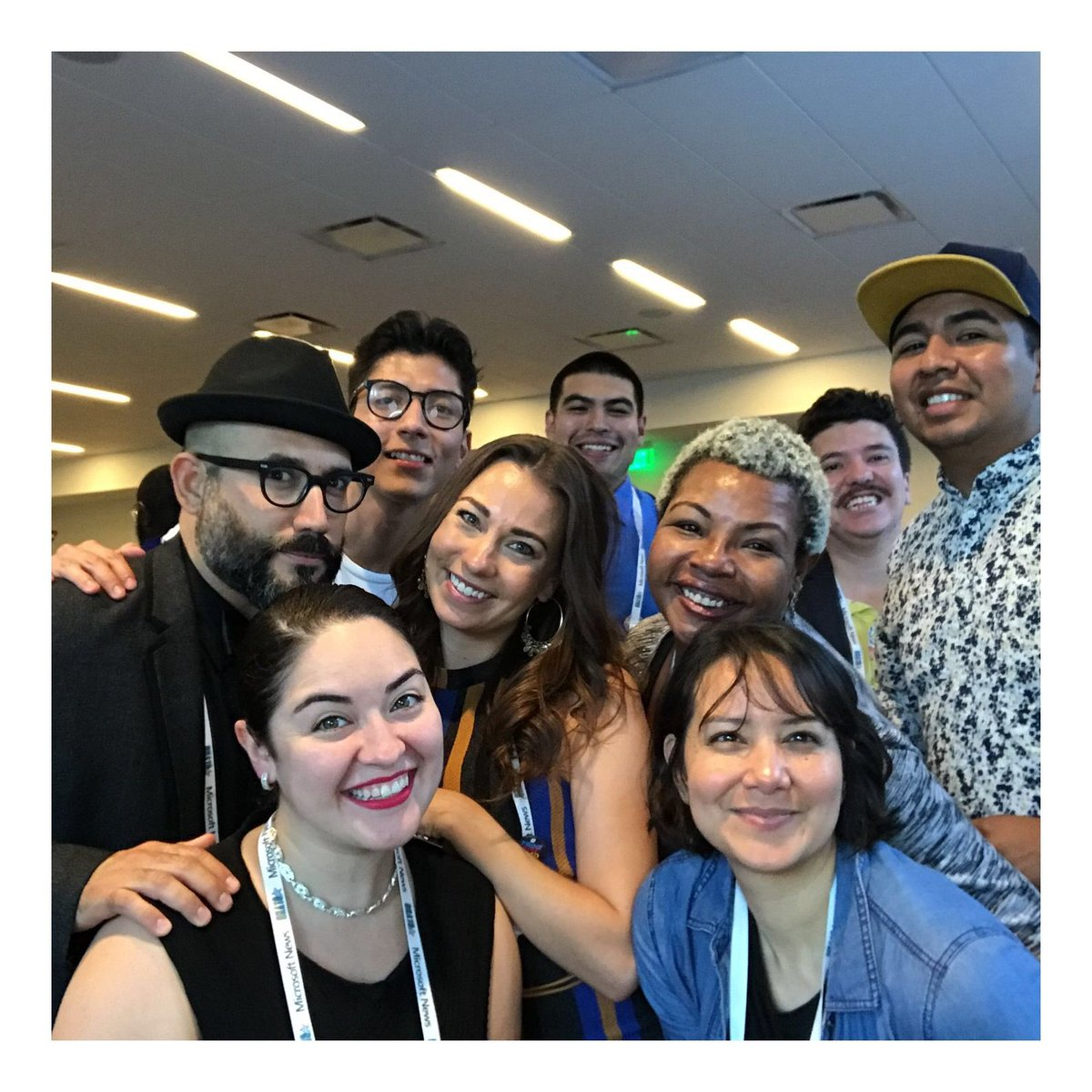 Hi. This is our official @NAHJ at #ONA18 selfie. There were a lot more members, but these awesome people were around.  #MoreLatinosInNews<br>http://pic.twitter.com/jL9gRNHKOf