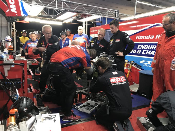 #Bol2018 - The boys are working hard on our CBR - we've had a cylinder head bolt break while we were leading. 😞 We have fixed a new one and reassembling with the target to get back out! @FIM_EWC is not easy! #teamwork Photo