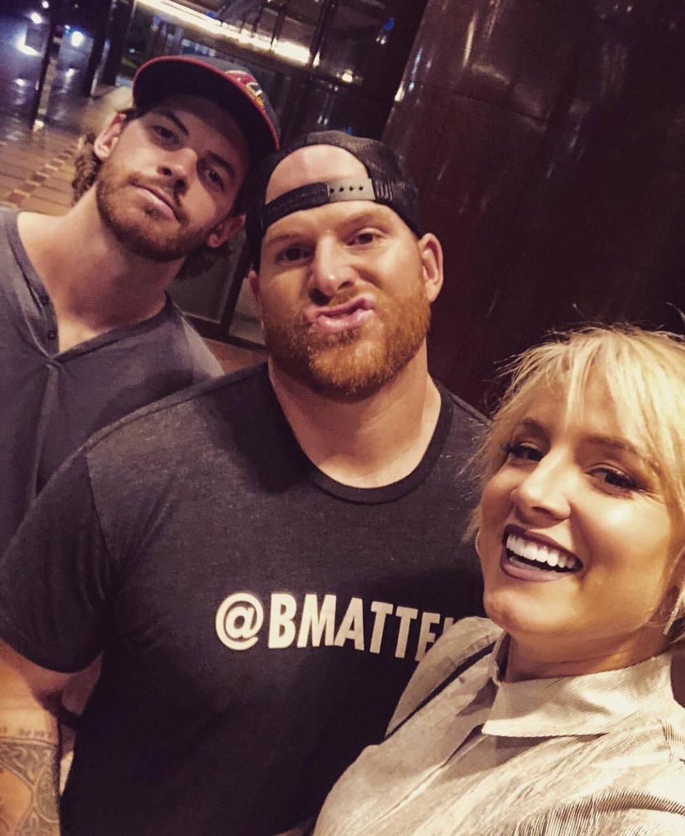Korean BBQ date night 🔥#SandStormTakesKorea 🇰🇷 Austin's more then just a #ThirdWheel 🤣 #Squad