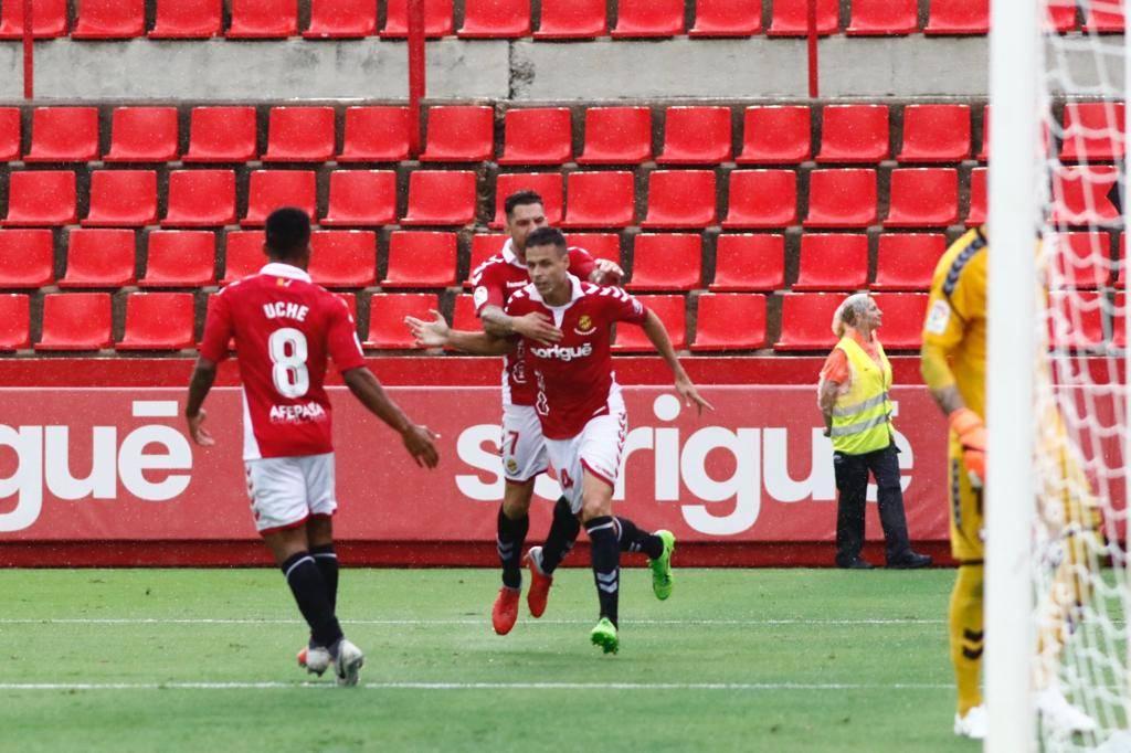 Manu del Moral celebra el gol que dio la victoria frente a Osasuna (Foto: C.G.)