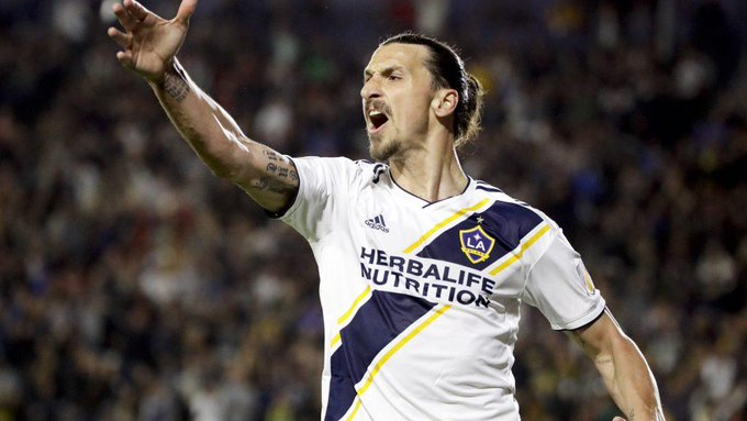 VIDEO: Zlatan scores 500th goal with absurd, spinning side-volley Photo
