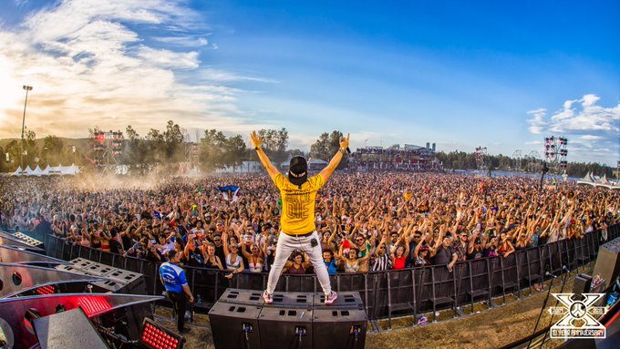 STRAYA, EVEN AFTER 10 YEARS OF DEFQON, STAY WHO YOU ARE, CAUSE YOU ARE JUST PERFECT ❤️ #TeamVillain for #Hardstyle Photo