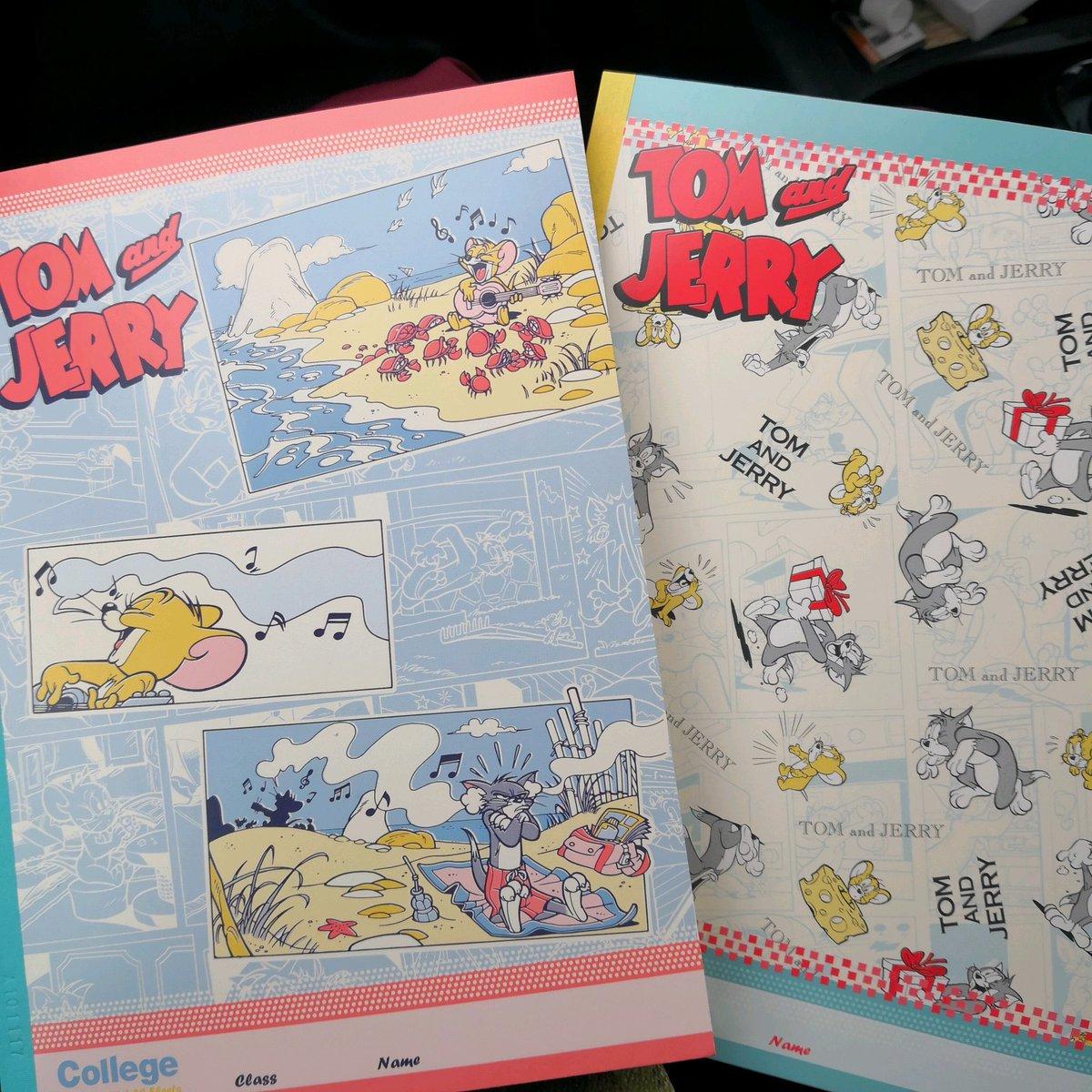 test ツイッターメディア - パンダのアルミホイルとか紙皿紙コップ割り箸とかあってそれがめっちゃ可愛かった トムとJellyのノートは即買い(´°?°`*) #キャンドゥ https://t.co/LNQZsAeVE4