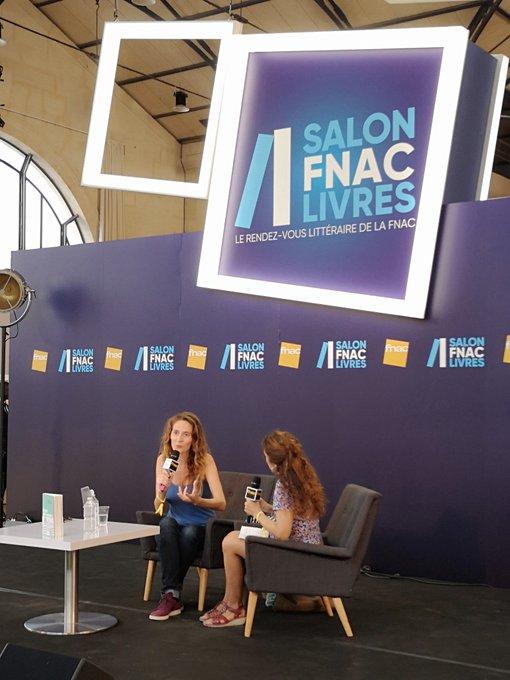 #SalonFnacLivres: 📙 Émilie de Turckheim évoque son récit Le Prince à la petite tasse ☺️ @calmann_levy Photo