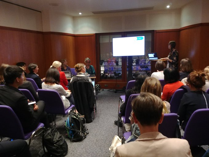 #CochraneForAll Packed room for qualitative evidence synthesis, massive interest in Cochrane! @CochraneQual Photo