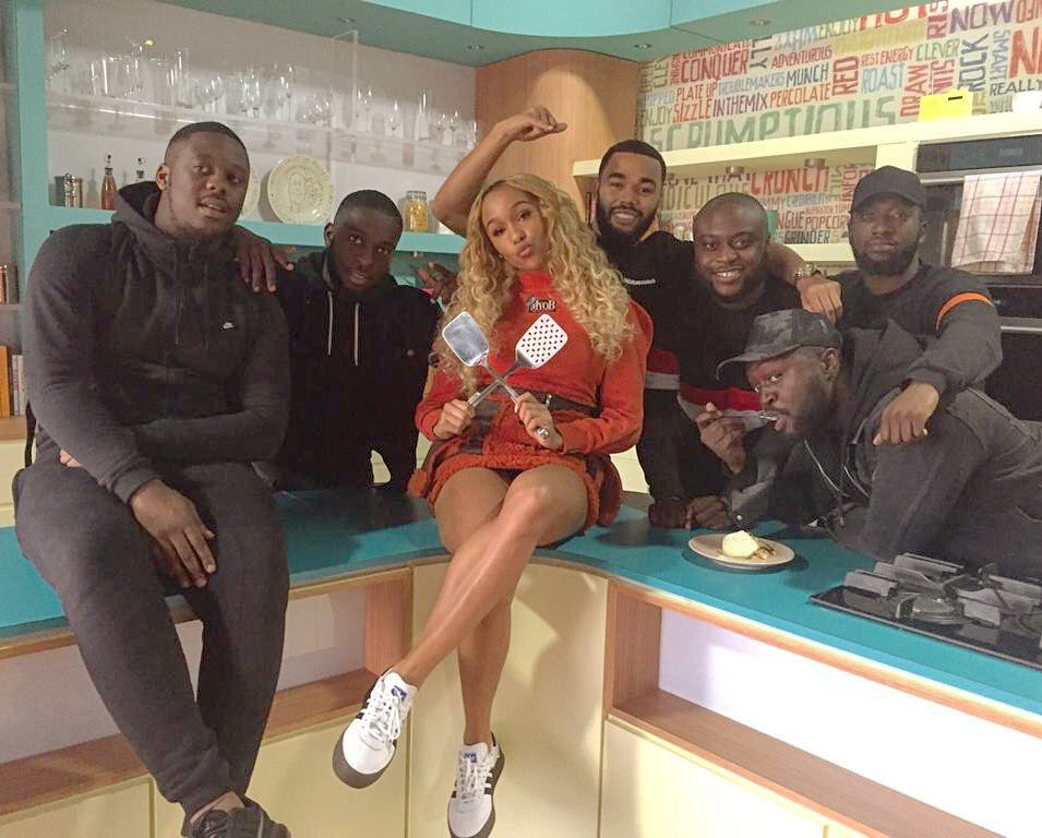 RT @SundayBrunchC4: #SQUAD! Thanks to @YungenPlayDirty and @ImaniOfficial for a great performance 🙌 #INTIMATE https://t.co/TVVNfZypxc