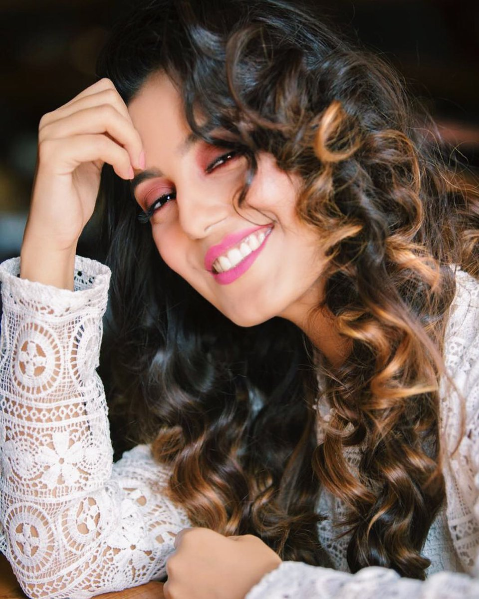 Srishty Rode  IMAGES, GIF, ANIMATED GIF, WALLPAPER, STICKER FOR WHATSAPP & FACEBOOK