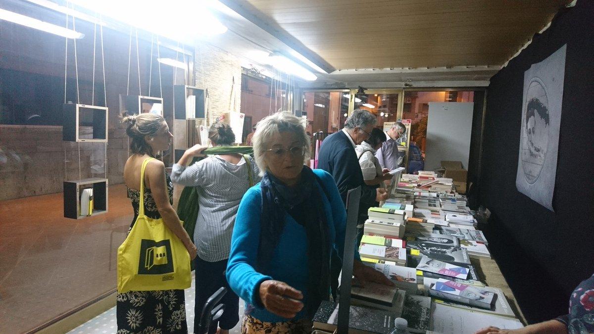 Dopo il #premiopieve tutti al bookshop a prendere i #diari @archiviodiari  - Ukustom