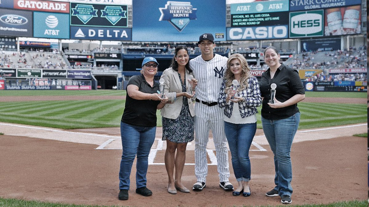 Today, the Yankees presented the annual Hispanic Heritage Month Community Achievement awards. Congrats to this year's winners! #SOMOSYankees