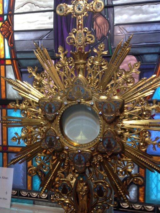 I LOVE JESUS! RETWEET IF YOU DO TOO! #SundayMotivation #SundayMorning Follow me on Insta: Photo