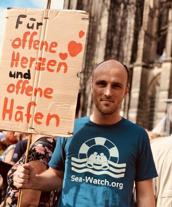 #Köln zeigt Haltung! - für Menschlichkeit und Offenheit, gegen Abschottung und rechte Hetze. Danke an die Tausenden für dieses starke Signal! ✌🏽#kölnzeigthaltung Foto