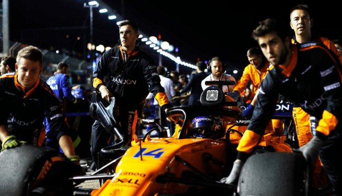 Fernando Alonso: Ha sido una carrera mágica #SingapourGP Photo