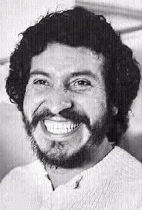 """""""Canto que ha sido valiente, siempre será canción nueva"""" honor y gloria para Victor Jara! A 45 años de su cobarde Foto"""