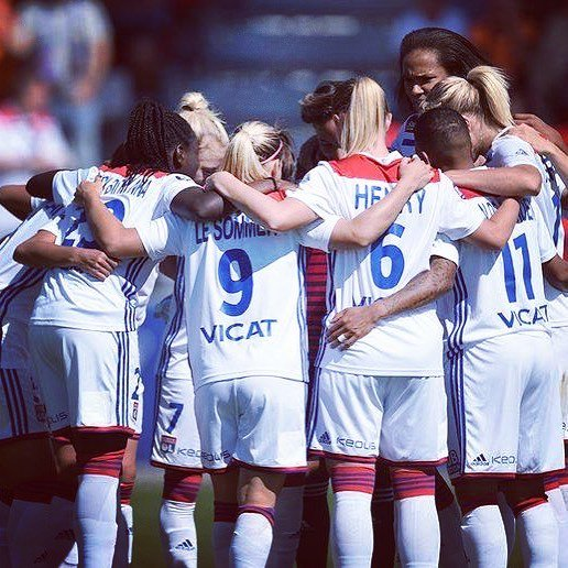 ⚽⚽⚽ @ELS_9_FRANCE scores a hat-trick as @OLfeminin stay perfect on the season with a 3-0 win at Guingamp! 🔥🔴🔵 #EAGOL Photo