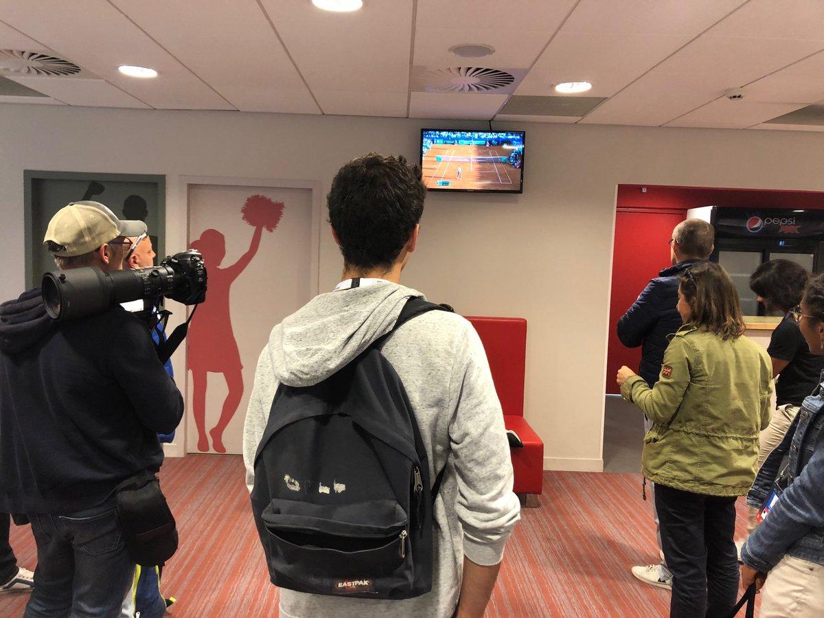 En salle de presse à #Lille, tous les yeux sont braqués sur la Croatie et ce match de fou entre @FTiafoe et @borna_coric Finale en France ou aux USA ??? #FRAESP #CROUSA @DavisCup #CoupeDavis @sports_ouest  - FestivalFocus