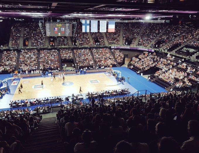 6634 spectateurs présents ce soir à la @suddefrance de Montpellier pour soutenir les Bleus 🇫🇷 #FRAFIN #FIBAWC Photo