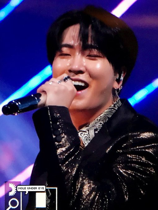 A smile that could cure anyone's sadness #ArsYoungjaeDay Foto
