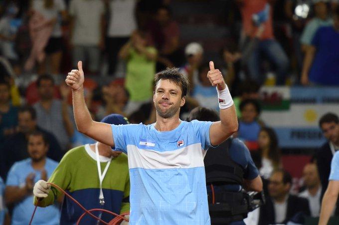 #CopaDavis Horacio Zeballos le ganó 7-5 y 6-2 a Nicolás Mejía, se quedó con el cuarto punto y Argentina cerró la serie 4-0 ante Colombia ➡️ Foto
