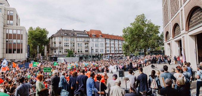 Danke an alle Beteiligten, egal wo ihr heute in Gelsenkirchen die antifaschistische Fahne hochgehalten habt! #ge1609 #fcknzs Foto