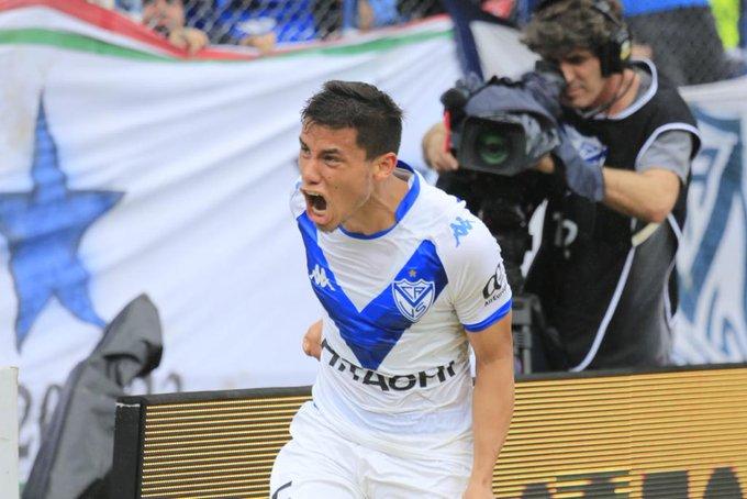 #JuegaVelez Final del primer tiempo en el @velezestadio. Con gol de Lucas Robertone #Velez gana 1-0, jugando un gran primer tiempo. (📸 @Velez) Foto