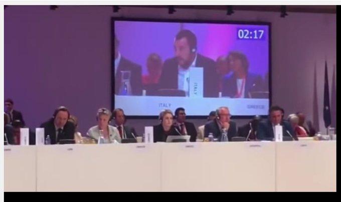 Sostiene Asselborn che lui ignorava che la riunione dei ministri fosse ripresa e Repubblica si schiera ovviamente con il ministro del Lussemburgo e allude ad un agguato salvinesco. Allora questo schermo che riproduceva le immagini del meeting che ci stava a fare? Photo
