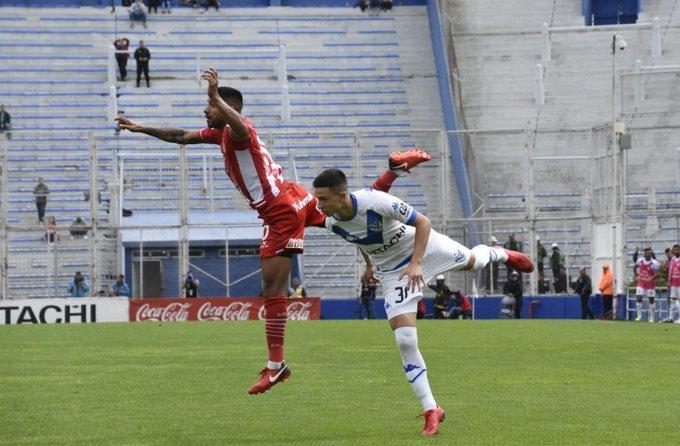 🔴⚪ #Superliga Final del partido. Fue victoria de @Velez por 1 a 0 ante San Martín en el Estadio José Amalfitani. ⚽️ #VamosCiudadela Foto