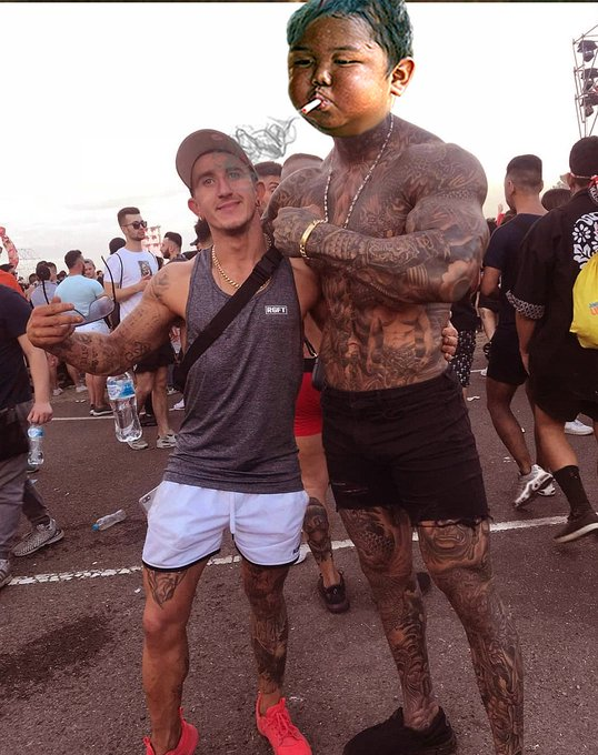 @MingGao26 Ming at DefQon Sydney today, being nice to the mere mortals. Photo