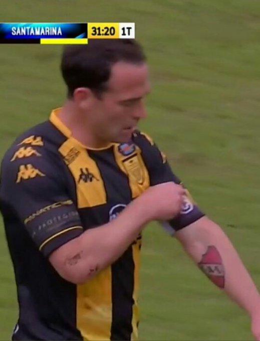 Michel, delantero de Santamarina de Tandil se hizo un tatuaje 👏😍 Foto