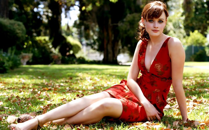 Happy Birthday Alexis Bledel!