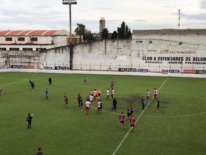 Final en el bajo Nuñez Defensores de Belgrano consigue la primera victoria del campeonato frente a Santamarina de Tandil 1-0 Foto