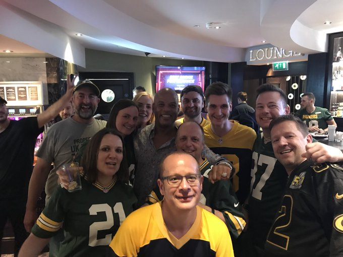 Shaun Gayle clearly devastated by the Packers result @ukpackers #GoPackGo Foto