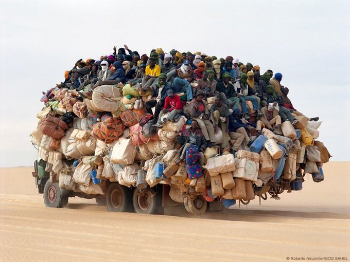Melbourne supporters on there way #AFLEaglesDees #AFLFinals Photo
