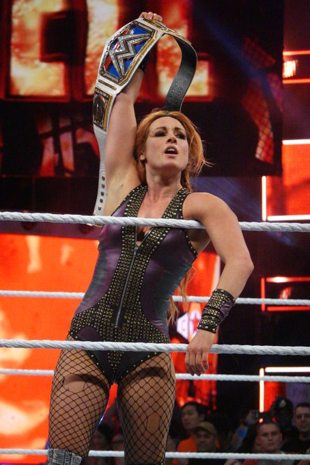 My phones gonna die during this show but I'll bless you with @BeckyLynchWWE photos until it goes #HIAC Photo