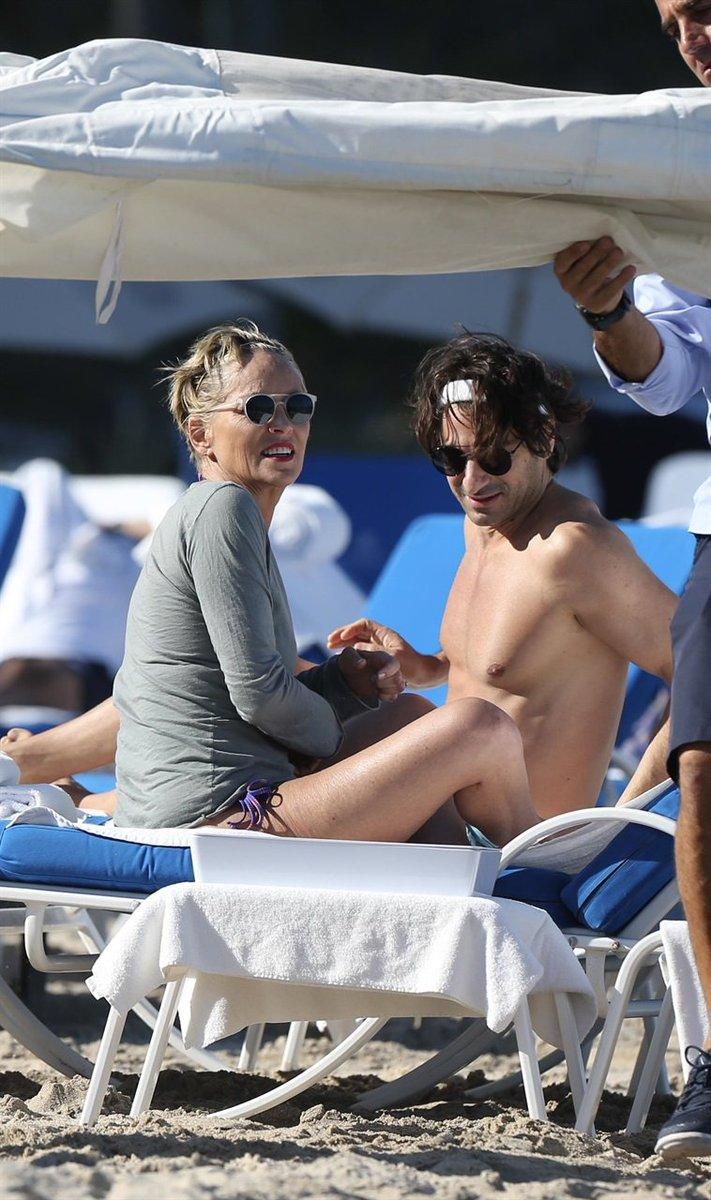 Angelo Boffa: «Così è finita con Sharon Stone» - #Angelo #Boffa: #«Così #finita #Sharon  https:// www.zazoom.info/ultime-news/4665964/angelo-boffa-cosi-e-finita-con-sharon-stone/  - Ukustom