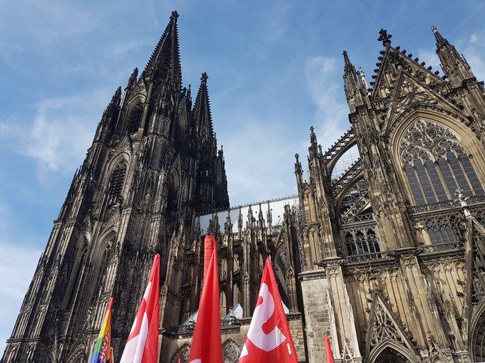Guten Morgen Köln! Heute zum Aufwachen noch ein Bild vom Blick auf den Dom bei #koelnzeigthaltung von gestern. Einfach, weil es so schön war ❤️ Foto