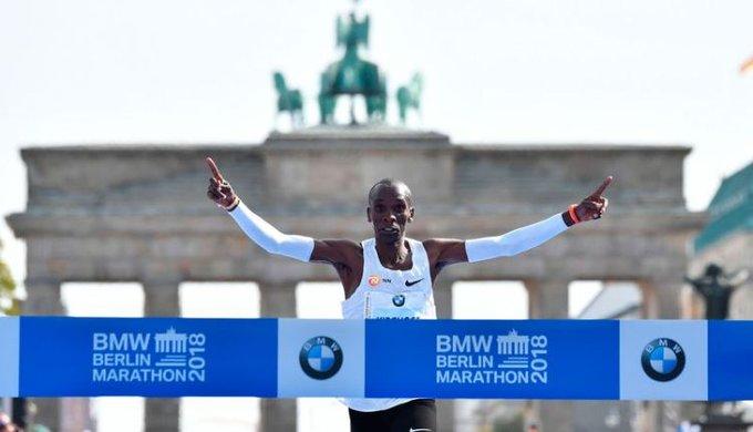 Eliud Kipchoge sets world record in Berlin Marathon victory #Brekko Foto