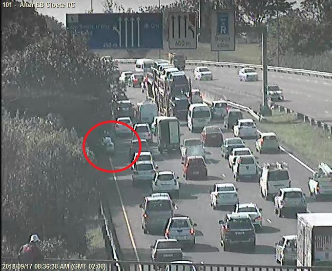 (Update) 78311: Crash(Bumper bash): N3 to DBN after EB Cloete I/C; Left lane obstrcted; Drive carefully. Photo