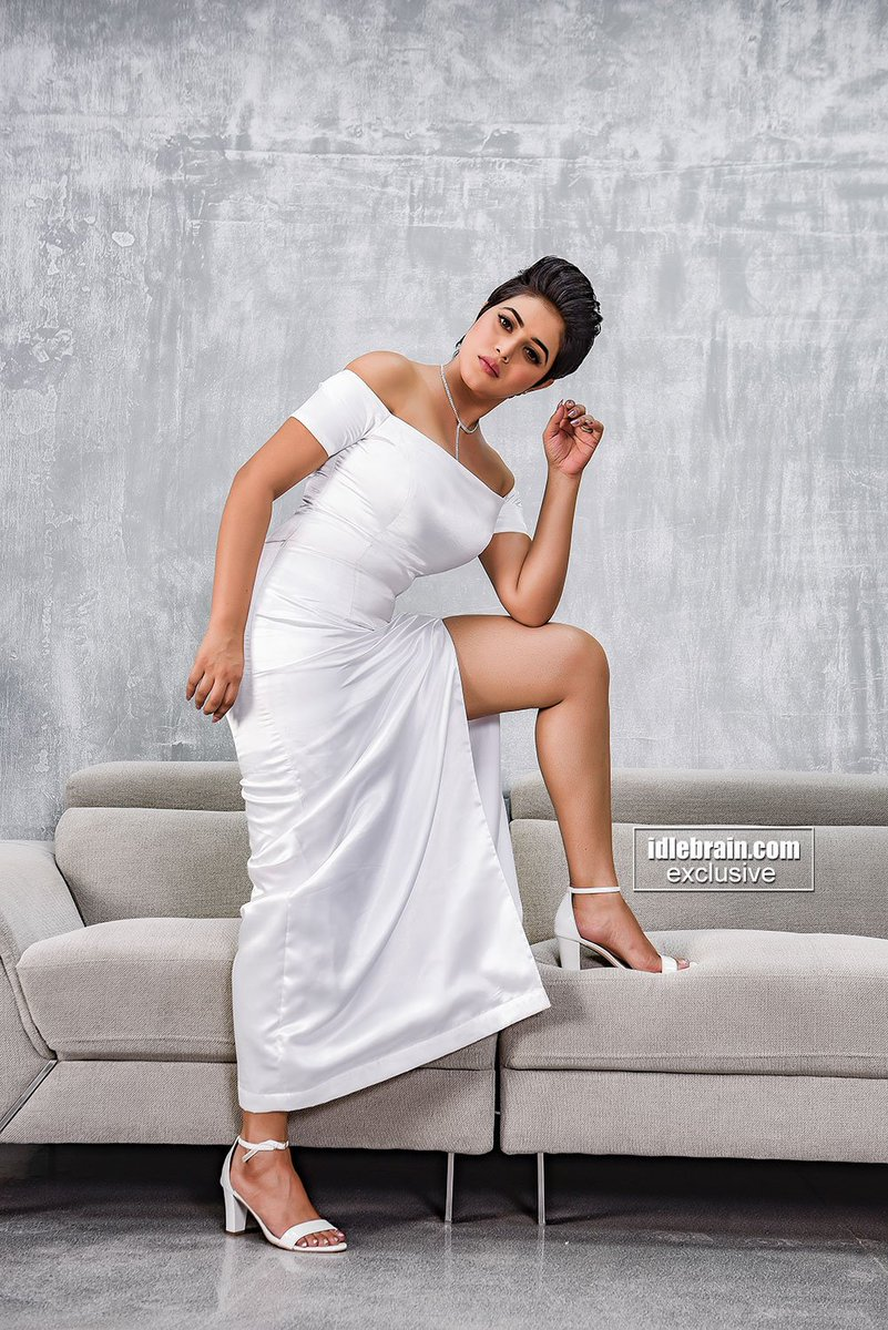 .@shamna_kasim in #Adhugo idlebrain.com/news/today/poo…
